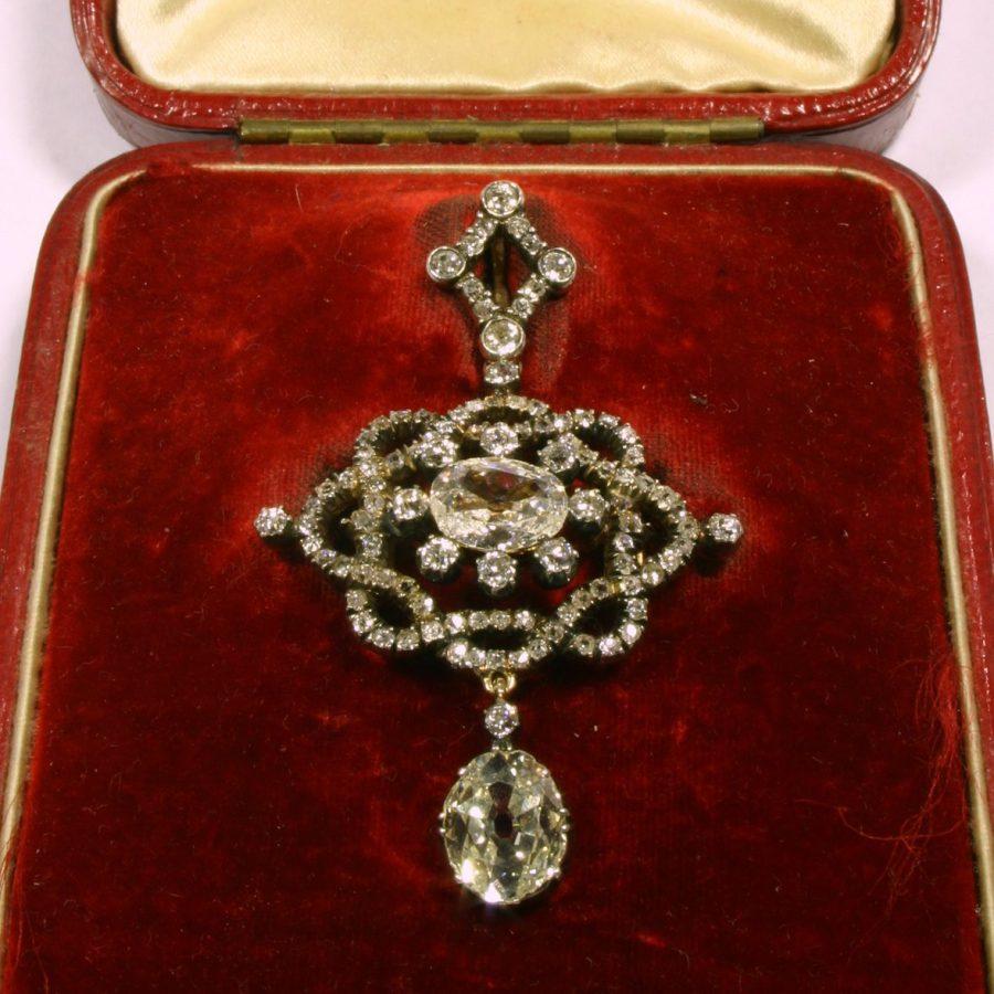 antieke hanger broche bezet met briljant geslepen diamanten