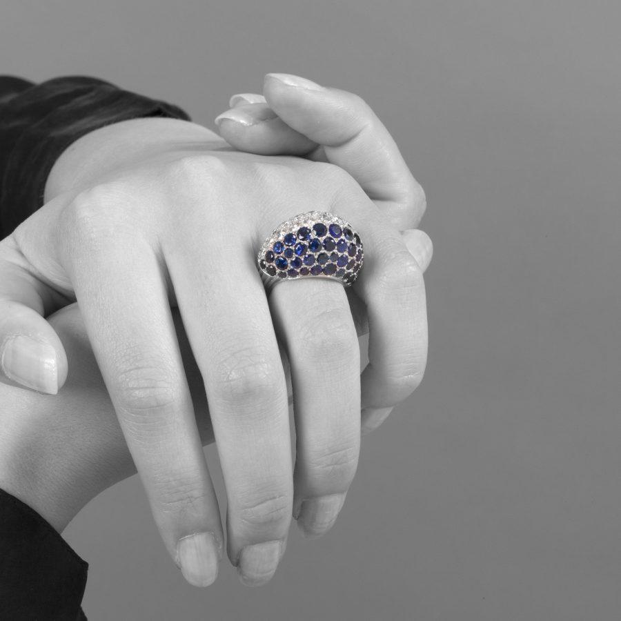 Cartier platina bolle ring diamant saffier