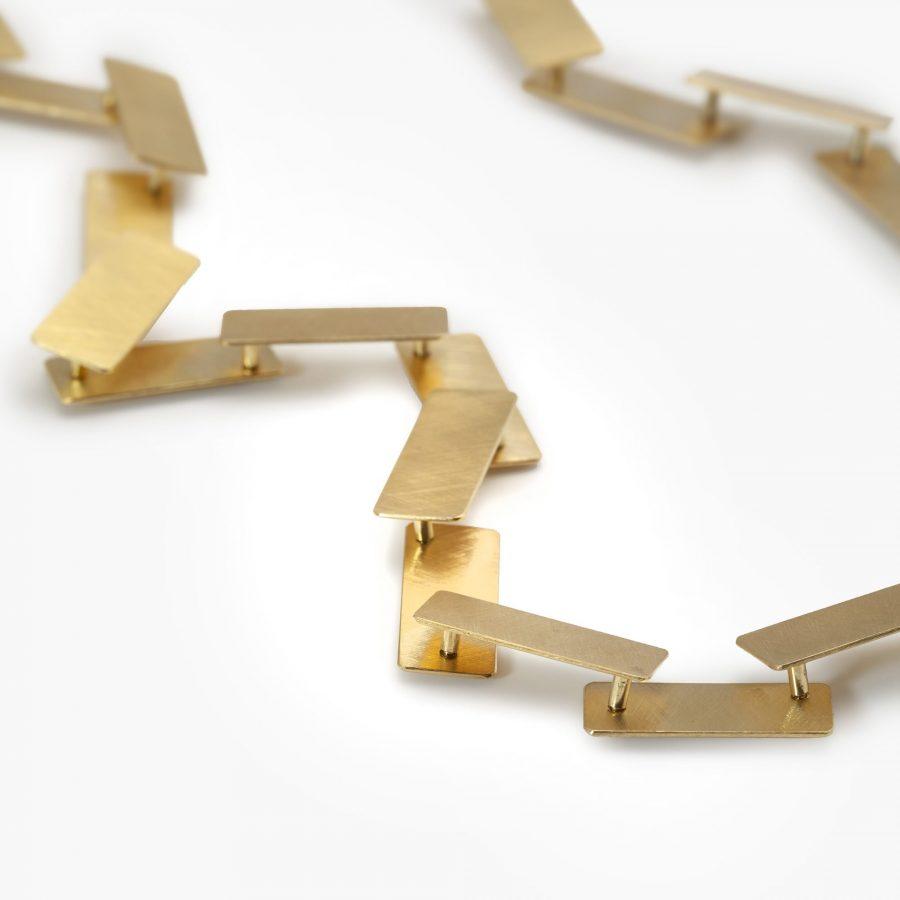 Michael Becker satine geelgouden collier