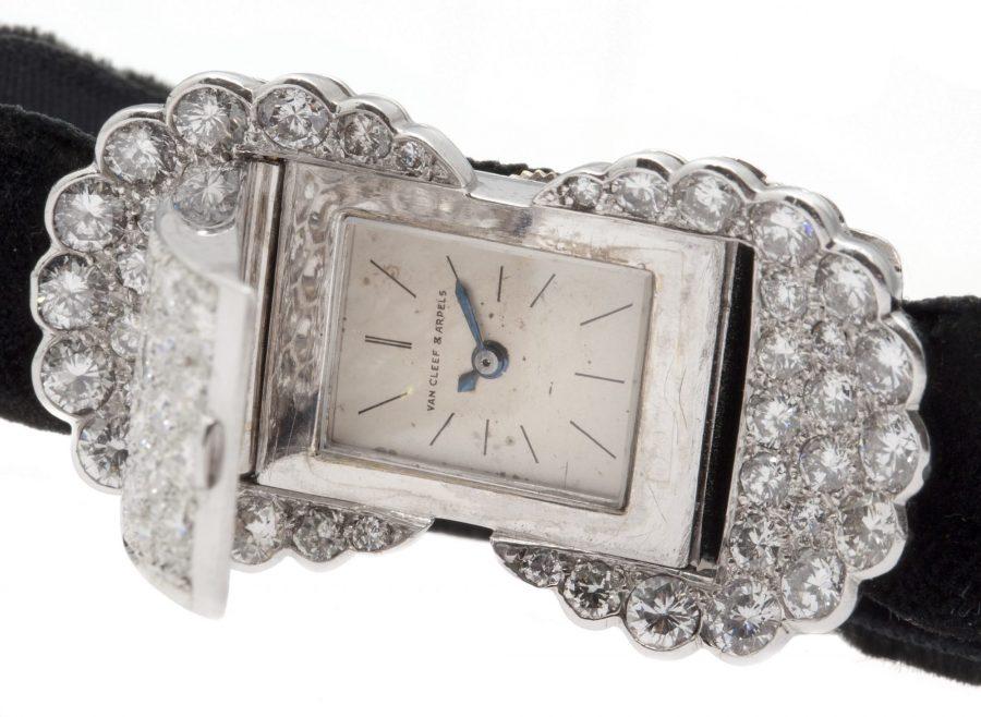 Van Cleef & Arpels horloge platina en diamant
