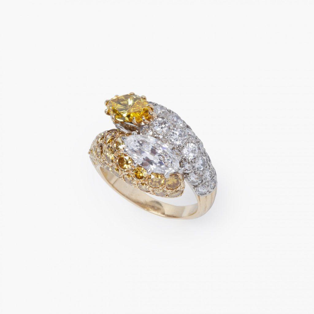 Platina en geelgouden slagring gele en witte diamant Cartier Parijs