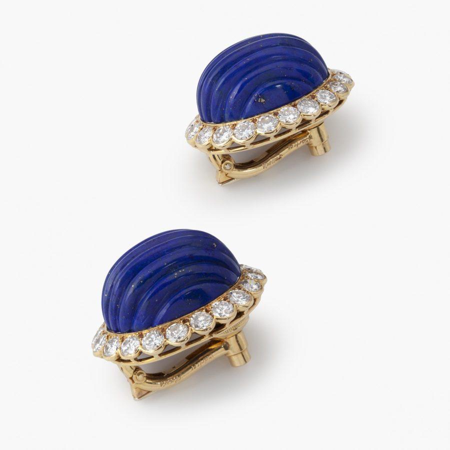 Cartier oorclips lapis lazuli en diamant Parijs circa 1970