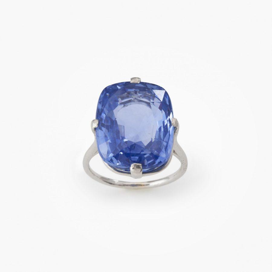 Cartier platina Art Deco solitair ring saffier circa 14 ct